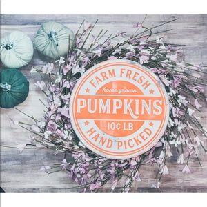 Farm fresh Pumpkin - round wood sign
